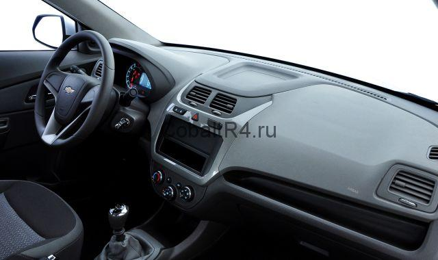 Chevrolet Cobalt в комплектации LT без установленной магнитолы